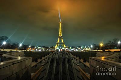 Eiffel Tower 1.0 Poster by Yhun Suarez