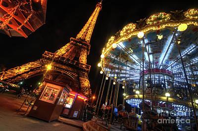 Eiffel Tower 4.0 Poster by Yhun Suarez
