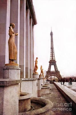 Eiffel Tower Trocadero View - Eiffel Tower Trocadero Gilded Golden Statues - Eiffel Tower Home Decor Poster