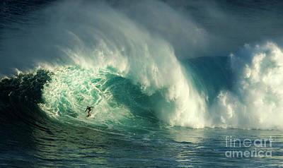 Extreme Surfing Hawaii 2 Poster by Bob Christopher