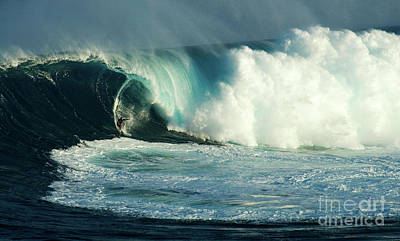 Extreme Surfing Hawaii 3 Poster by Bob Christopher
