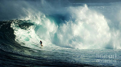 Extreme Surfing Hawaii 4 Poster by Bob Christopher