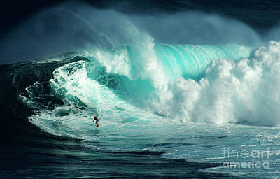 Extreme Surfing Hawaii 5 Poster by Bob Christopher
