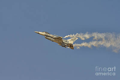 F-16 Fighting Falcon At Dubai Air Show, Uae Poster by Ivan Batinic