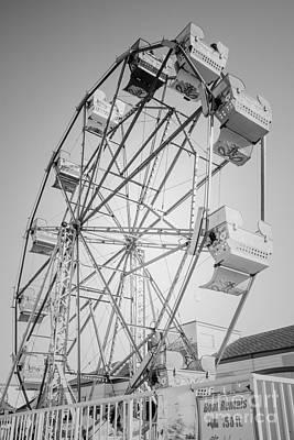 Ferris Wheel In Newport Beach California Poster by Paul Velgos