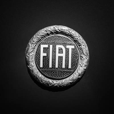 Fiat Emblem -1621bw Poster