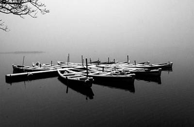 Foggy Morning On West Lake Poster