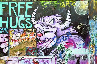 Free Hugs Graffiti  Poster