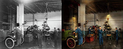Garage - Mechanic - The Overhaul 1919 - Side By Side Poster
