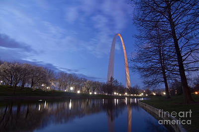 Gateway Arch At Dawn Poster