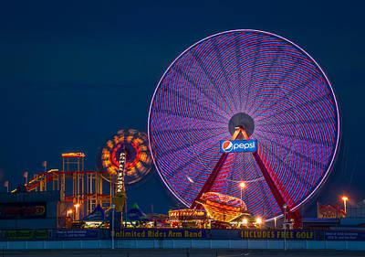 Giant Ferris Wheel Poster by Wayne King