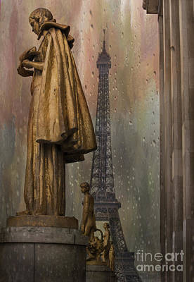 Golden Statues On Trocadero With View Towards Eiffel Tower Paris Poster