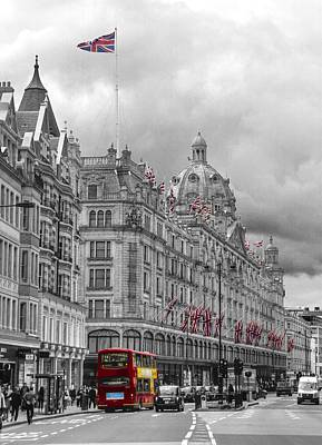 Harrods Of Knightsbridge Bw Hdr Poster by David French
