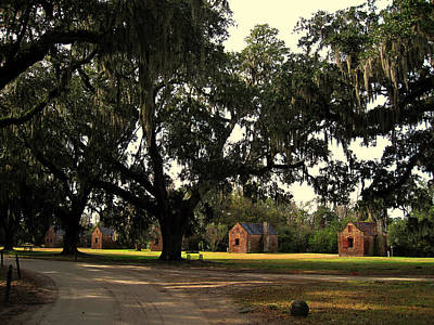 Historic Slave Houses At Boone Hall Plantation In Sc Poster