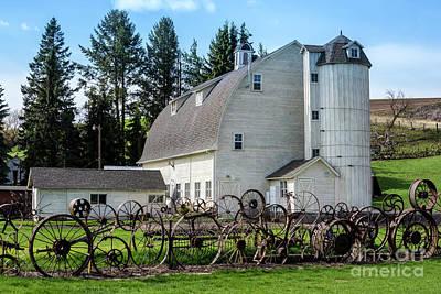 Historic Uniontown Washington Dairy Barn - 2 Poster by Gary Whitton