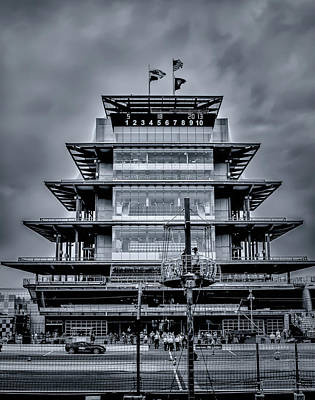 Indy 500 Pagoda - Black And White Poster