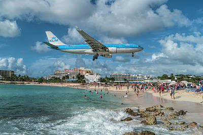 K L M A330 Landing At Sxm Poster by David Gleeson