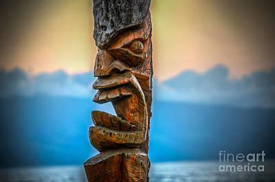 Poster featuring the photograph Ka'anapali Tiki by Kelly Wade