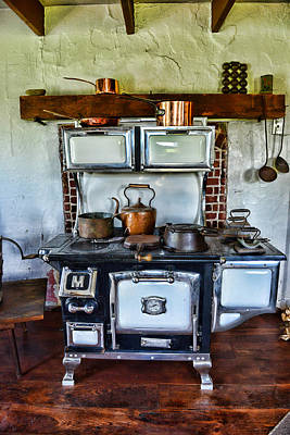 Kitchen - The Vintage Stove Poster by Paul Ward