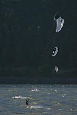 Kiteboarding On The Columbia River Poster by Skip Brown