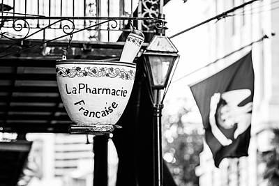 La Pharmacie Francaise - Bw Poster