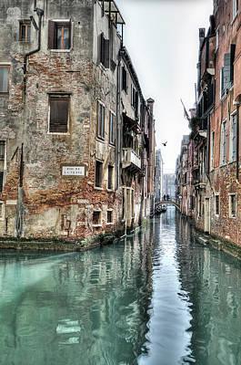 La Veste Venice Poster by Marion Galt