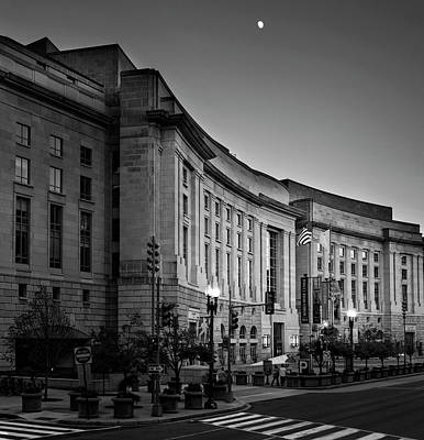 Late Evening At The Ronald Reagan Building In Black And White Poster