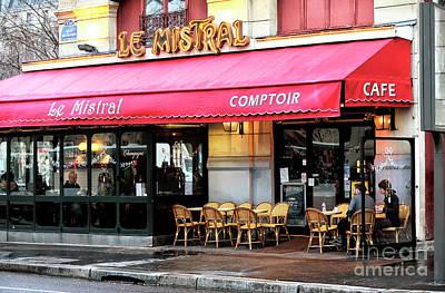 Le Mistral Paris Poster