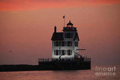Lorain Lighthouse 1 Poster