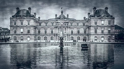 Luxembourg Palace Bw Poster by Joan Carroll