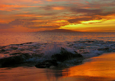 Poster featuring the photograph Maui Sunset Reflections by Stephen  Vecchiotti