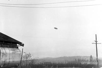 Mcminnville Ufo Sighting, 1950 Poster by Science Source