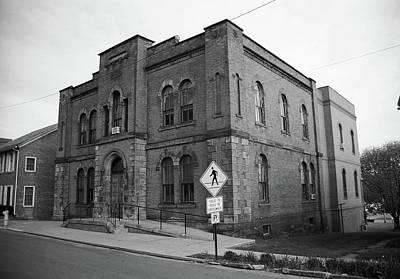 Mercer, Pa - Vintage Building 2008 Bw Poster