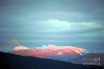Monashee Sunset Poster by Victor K