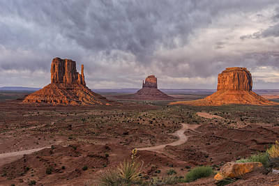 Monument Valley Mittens Az Dsc03662 Poster by Greg Kluempers