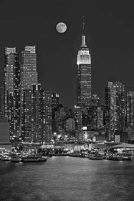 Moonrise Along The Empire State Building Bw  Poster by Susan Candelario