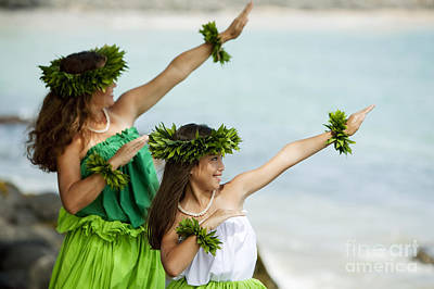Mother Daughter Hula Poster by Ron Dahlquist - Printscapes