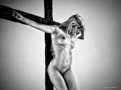 Mujer En El Crucifijo Poster