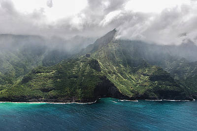Napali Coast In Clouds And Fog Poster