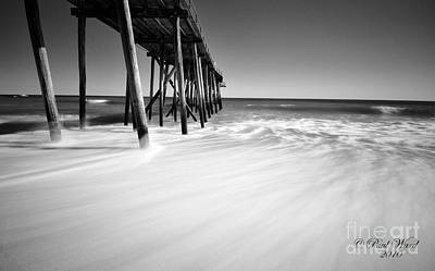Nj Shore In Black And White Poster by Paul Ward