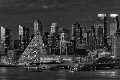 Poster featuring the photograph Nyc Golden Empire Bw by Susan Candelario