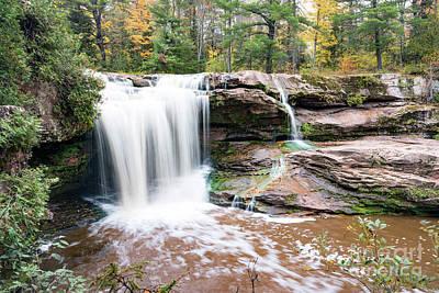 O Kun De Kun Falls In The Upper Peninsula Of Michigan Poster