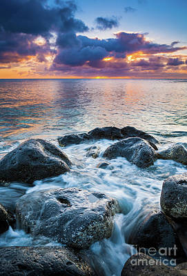 Oahu Shoreline Poster by Inge Johnsson