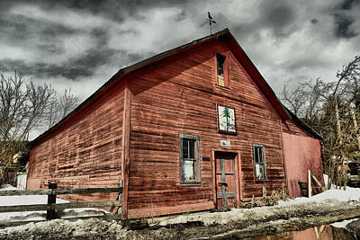 Poster featuring the photograph Old Barn In Roslyn Wa by Jeff Swan