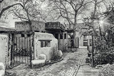 Old Town Albuquerque Secret Passageway In Black And White - Albuquerque New Mexico Poster