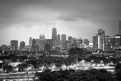 Ominous Skies Over Chicago City Skyline - Bw Poster