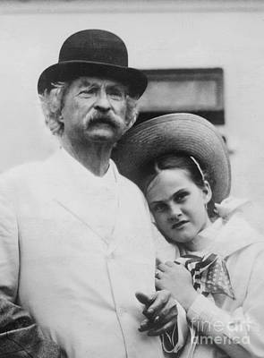 Pen Pals, Mark Twain And Dorothy Quick Poster by Science Source
