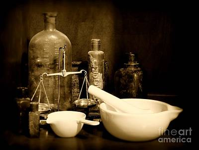Pharmacy - Mortar And Pestle - Black And White Poster