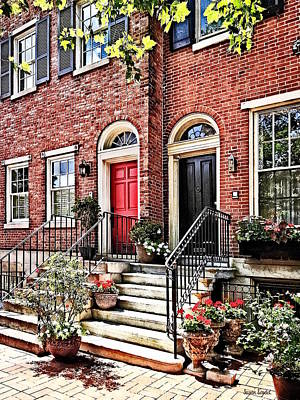 Philadelphia Pa - Townhouse With Red Geraniums Poster by Susan Savad