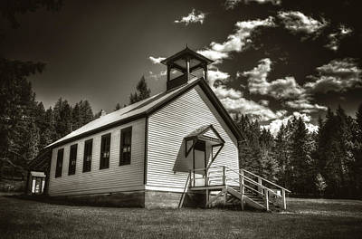 Pinkham Creek School House In Black And White Poster